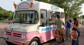 Mr. Whippy bringt frozen Yogurt